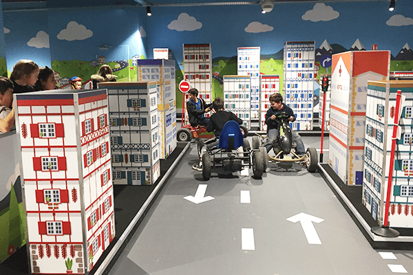 "visuel IKEA CENTER – ""Les As de la Route"""